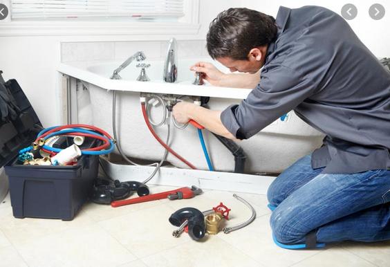 Critères pour engager un plombier